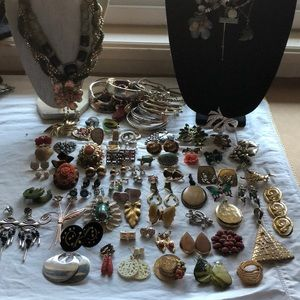 Vintage to modern costume jewelry lot